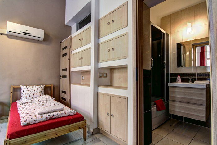 Bedroom - Standard 12 Bed Apartment Ensuite