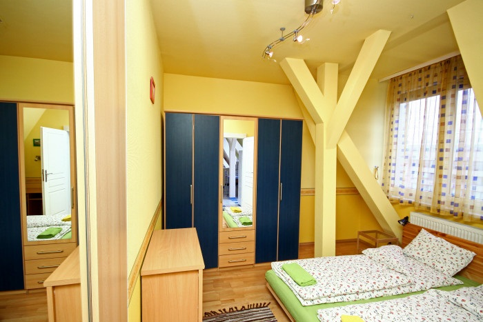 Private room with double bed, private bathroom - Standard Double Room Ensuite