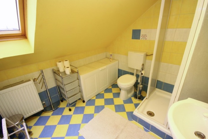 Bathroom - Superior 8 Bed Apartment Ensuite